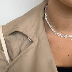 Säljer fler smycken på Instagram: @aliceruthjewelry ☺️☺️ Gör dessa halsband på beställning för 249kr och frakten endast 12kr!❤️ kontakta för fler bilder eller frågor!🥰🥰