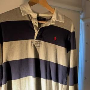 Långärmad pike tröja från polo Ralph lauren. Storlek L (14-16 Boys). Passar om man är runt 165cm lång