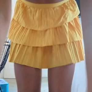 Säljer min jätte söta kjol från zara🥰