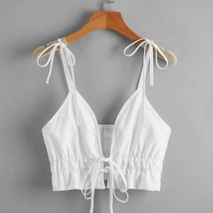 Fin linne från Shein, passade inte mig så säljer vidare. 30kr+24kr frakt💗💗 Samfraktar såklart om du köper mer från min sida så kanske det kan bli billigare💗