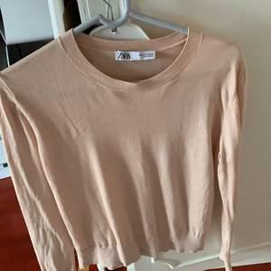 Rosa tröja från zara, 100kr, s