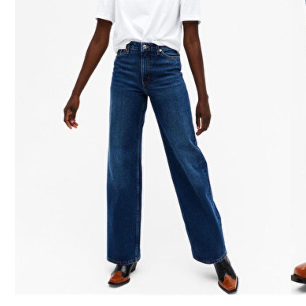 monki yoko jeans i färgen classic blue. org pris 400. Jeans & Byxor.