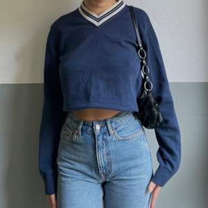 a blue sweatshirt from gant that i have reworked