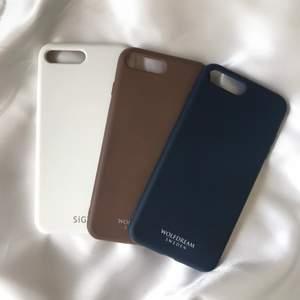 ❌Brun såld❌                                                                               3 skal till iphone 7/8 plus. Den vita är helt oanvänd och det medföljer förpackning till den. Marinblå & bruna är lite använda men inga defekter! 40:-/st plus frakt💕 Frakten är 12:-