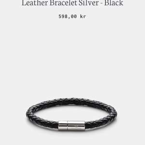 Väldigt fint armband som är helt oanvänd i sitt paket. Orginal pris 598. Med certifikat och kvitto. Perfekt som present.