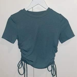 Jättefin tröja från zara, använt den väldigt få gånger och är i fint skick!! 50 + frakt 💗