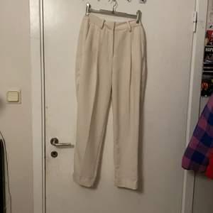 Vita kostym byxor från Lindex