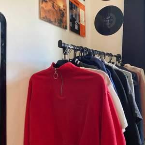 Snygg tröja från H&m. Storlek S, sparsamt använd. 70kr frakten ingår🤩