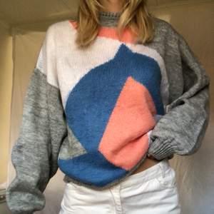 Varm härlig stickad tröja med coolt mönster, skriv för mer info💕💕