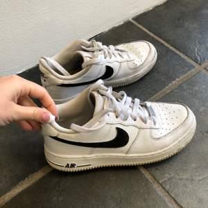 Jättefina skor, kommer tyvärr inte till användning längre!
