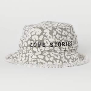 Superfin hatt från love stories i bra skick!!! 💕💕