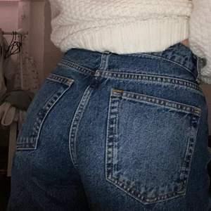 Jeans från vero Moda low waist i strl 36