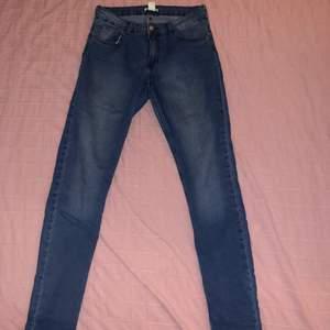 Jeans från HM Stl 38 80kr