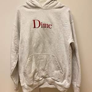 jätte fin dime hoodie som är köpt på junkyard för över 1200. kommer tyvärr inte till användning som jag hade velat!!! så säljer den istället för 600💖💖 köparen står för frakt