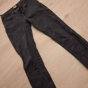 Coola mönstrade jeans från twist and tango i strl 25 i väldigt fint skick ❤