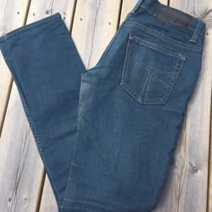 Tiger jeans dam. Rak modell. Storlek 28/30