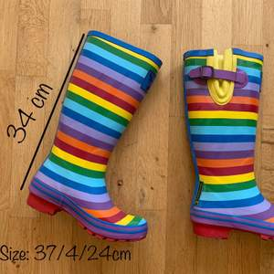English brand rainbow 🌈 rain boots