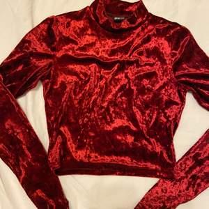 Jätte mjuk topp från Gina tricot, passar bra för jul.