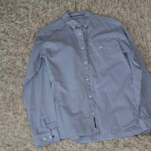 Bra Skjorta som har inte använts mycket