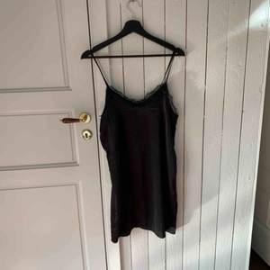 Silkes spets klänning / topp