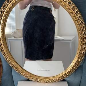 Oanvänd kjol i topp skick med prislapp kvar