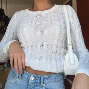As fin kabelstickad tröja från Cubus i strl S!