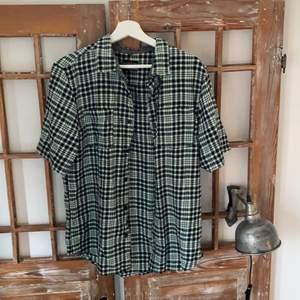 Cool skjorta köpt från beyond retro i fint skick 💞