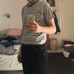 T-shirt med ankare på, passar S/M