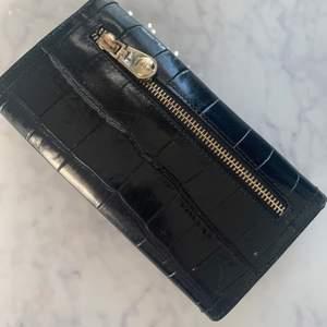 Karen Millen plånbok i fint skick