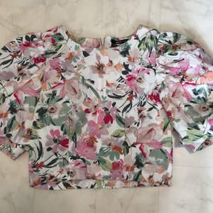 Gina Tricot top, used just once, size 36! Shipping included