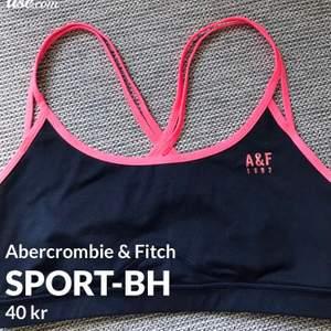 Super snygg sport-BH  från Abercrombie & Fitch (äkta), i fint skick! Står ingen storlek men skulle säga att det är en XS/Small. pris 40 kr + frakt 22 kr! Betalning sker via Swish!