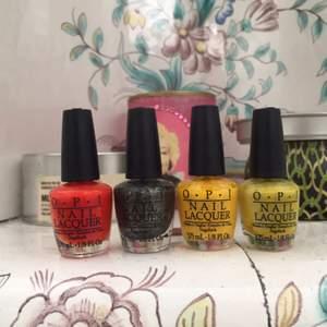 OPI nagellack i olika färger, fyra 3,75 ml flaskor för 50 kr!