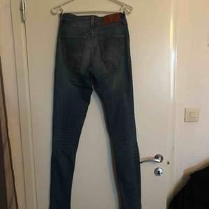 Tiger of Sweden jeans använda några gånger men i väldigt bra skick! Köparen betalar frakt:)