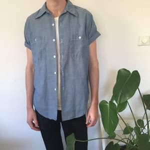 Supernice skjorta från Beyond Retro. det står ingen storlek men skulle tro det är M-L