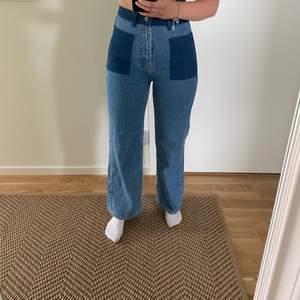 Säljer ett par skit snygga Angelina jeans från just. Har använt de endast 2 gånger då jag tycker de sitter lite för tajt på mig.