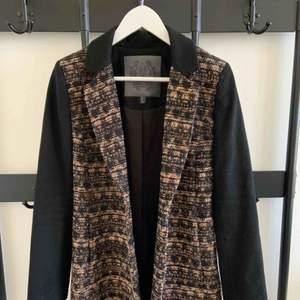 Chic black coat with gold/bronze details Brand: Forever New (Australian brand) Colour: black Size: 34
