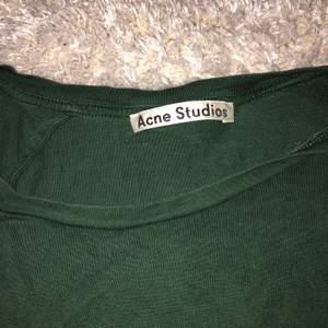 Jättebekväm tröja från acne studios. Frakt ingår inte !