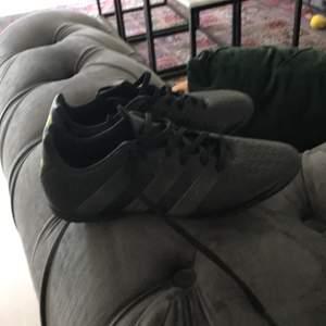 Helt nya skor passade inte mig adidas