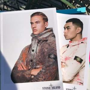 Stone island Season böcker med alla kläder släppta från den kollektionen