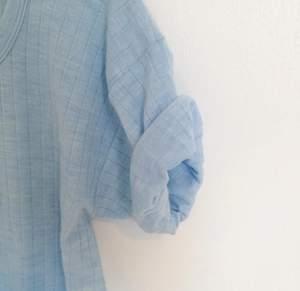 Stickad  isblå Lång Ribbad  Gr8 - inklusive frakt