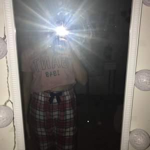 Snygg Gant t-shirt från Gant💕 Sitter bra på mig som har Xs/S men kommer inte till användning💕          Storlek S                                                                            Pris: 60kr💕 hör av er om ni undrar något💕💕💕
