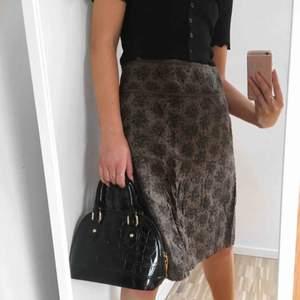 Söt brun kjol från Esprit