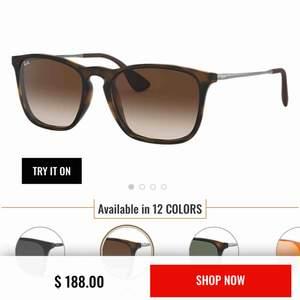 Trendiga Ray Ban solglasögon. Äkta, köpta på synsam. Barnstorlek, väl använda därav priset