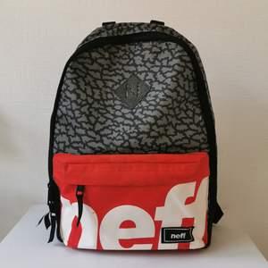 Ryggsäck från märket Neff. Ficka för laptop innuti. Köparen står för frakten ❤️ Betalning via swish