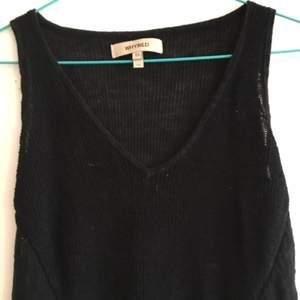 Längre klänning från Whyred i stickat material. Jätteskön!