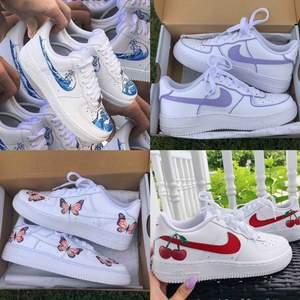 Custom Nike air force 1⚡️Bilderna är exempel på designer jag kan göra men går även att beställa precis som du vill ha dom. StainsCustoms på instagram!! 💖