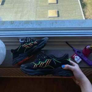 Så coola skor från adidas, använda 2-3 ggr😍