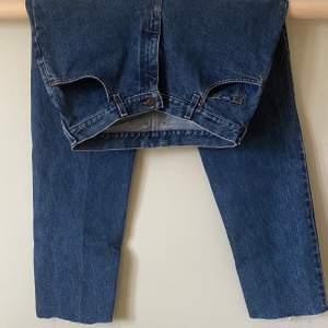 Jeans från Lee säljes pga för små. Väldigt bra skick. Vintage.