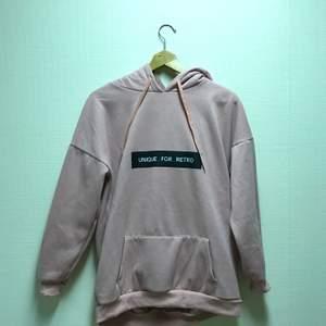 Rosa hoodie, endast testad. Säljer pga förliten. Är i storlek 3xl men sitter som en m/l💕