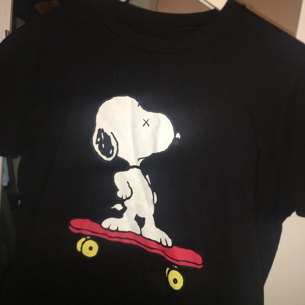 Jätte fin och skön t-shirt från uniqlo i bra material❣️❣️. T-shirts.